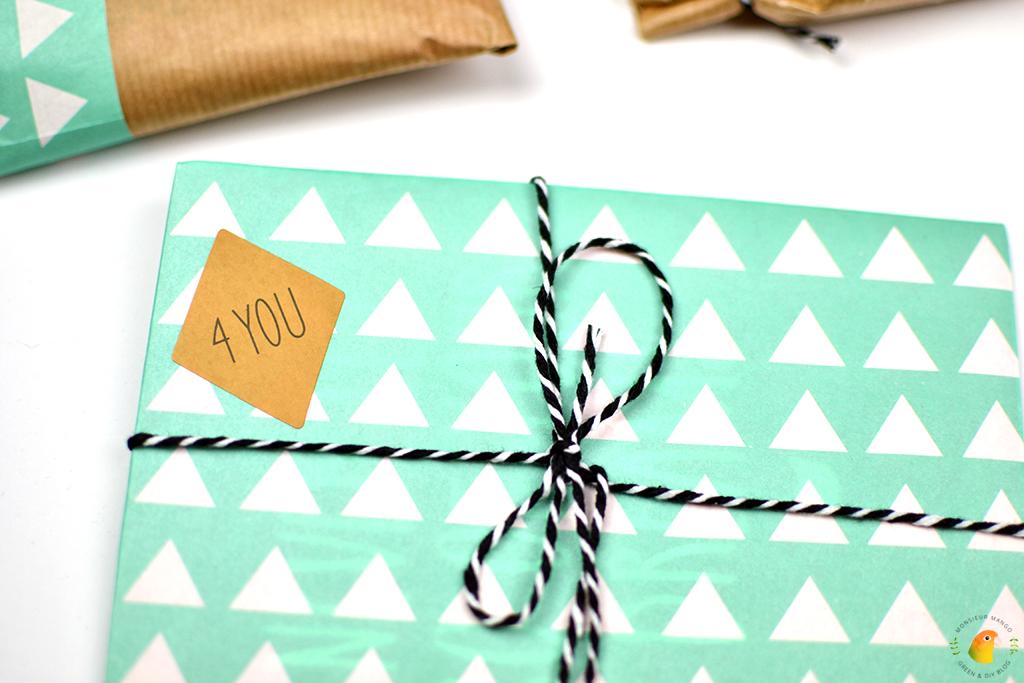 Afbeelding Echte Post Is Cool 2 ingepakt cadeautje