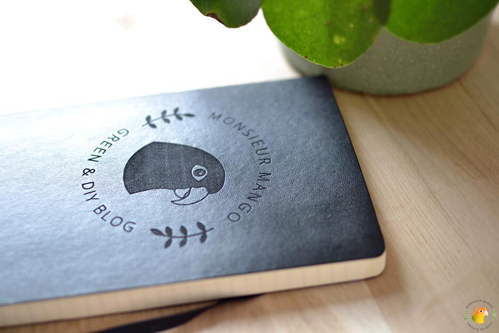Afbeelding Gegraveerd Moleskine boekje met Monsieur Mango logo