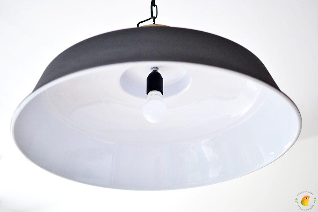 Afbeelding robuuste hanglamp directlampen.nl binnenkant