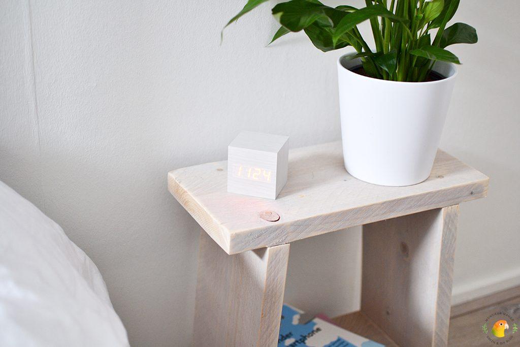 Afbeelding houten wekker cubique