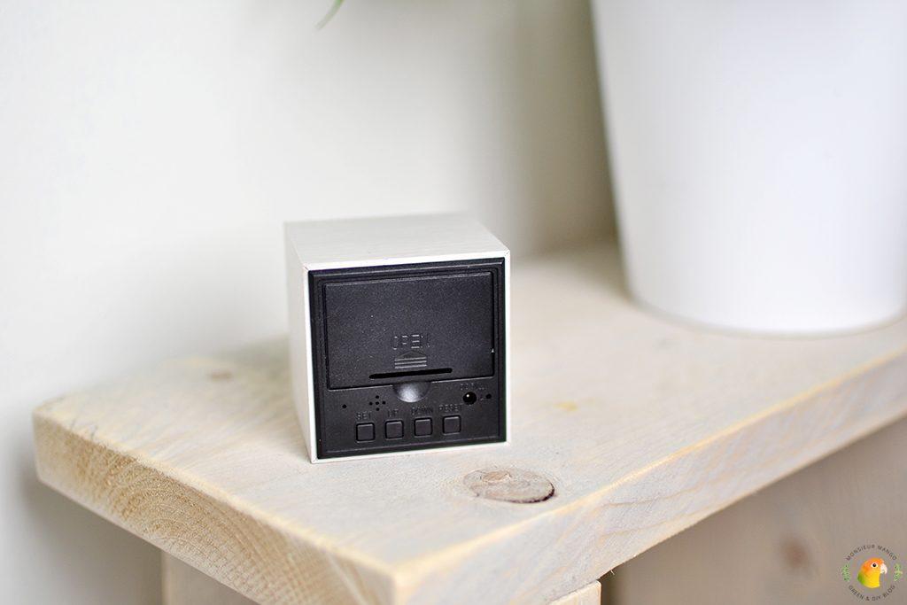 Afbeelding houten wekker knopjes