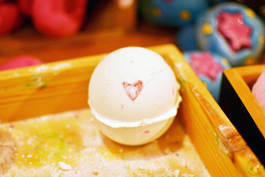 Afbeelding Lush Valentijnscollectie 2017 Lover Lamp bath bomb