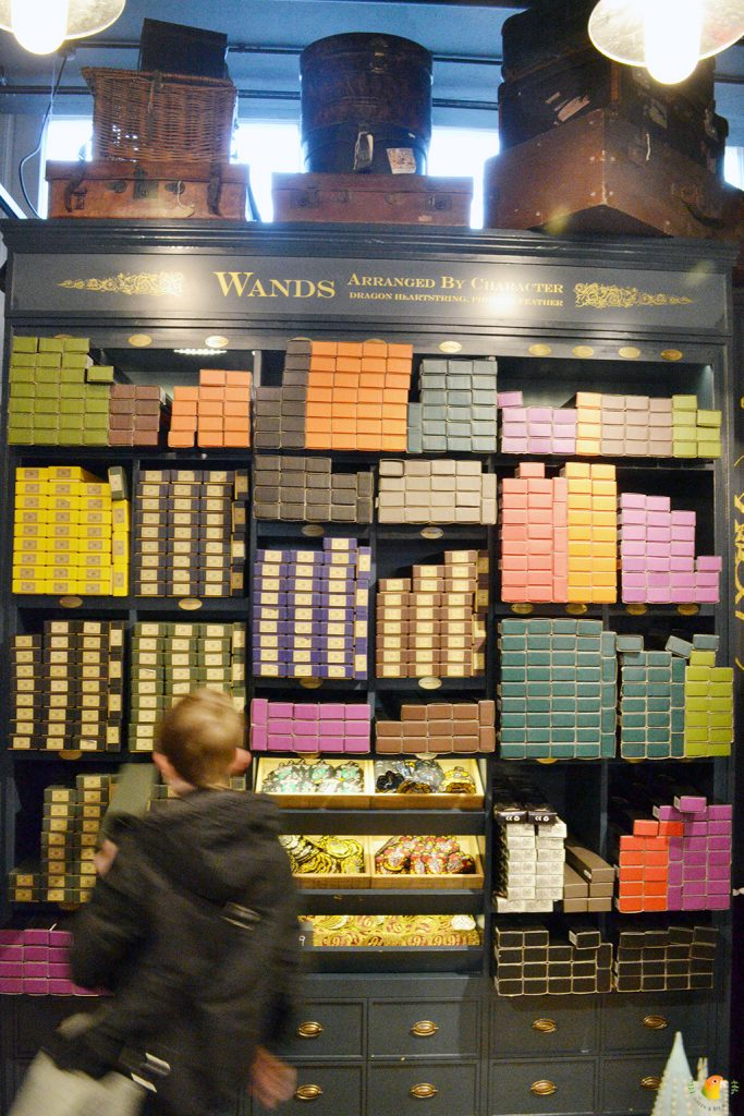 Afbeelding Harry Potter Shop Platform 9 3/4 toverstokken
