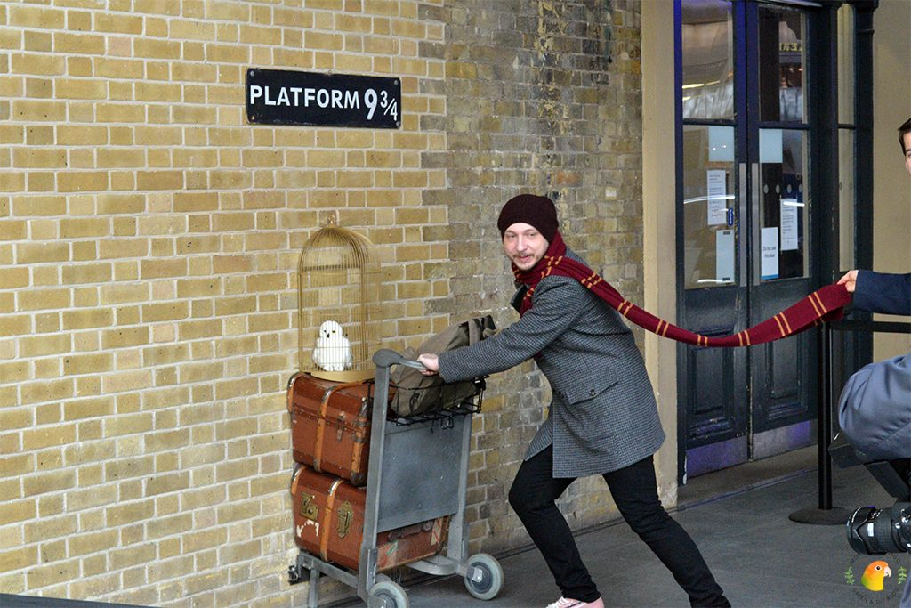 Afbeelding Harry Potter Platform 9 3/4 @ King's Cross station Londen
