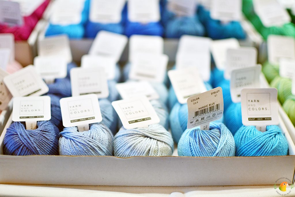Afbeelding Knit & Knot mini bolletjes Yarn and Color blauw tinten