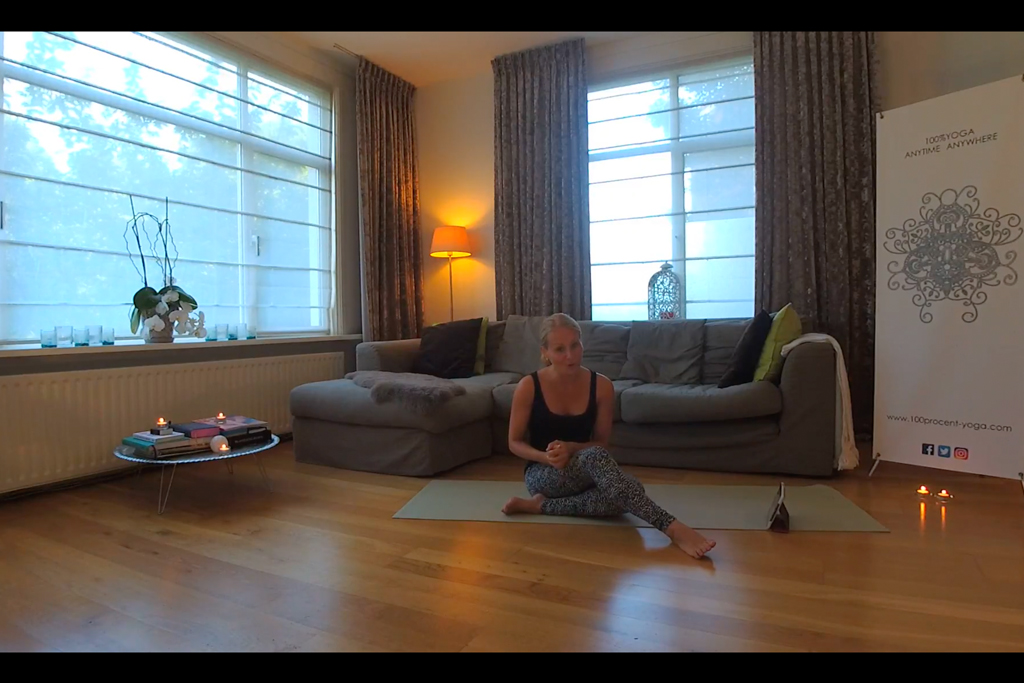 YOGA@HOME met Esther